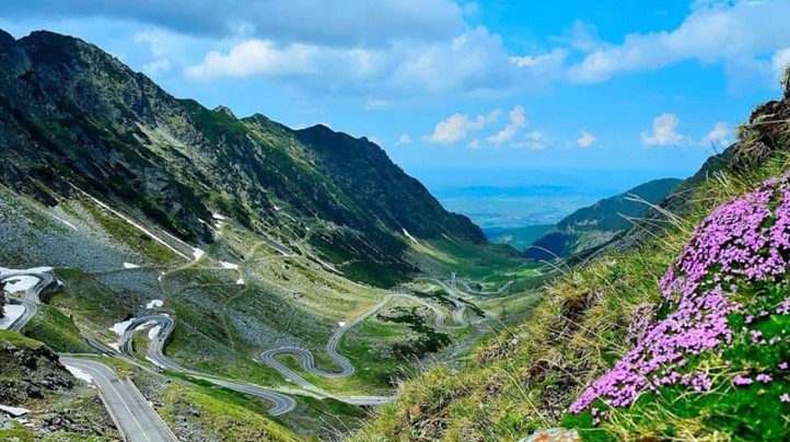 Prezentáció képekben: leírás, szállások, csomagajánlatok, programok, térkép, látványosságok Transzfogaras, Balea-tó Szállás