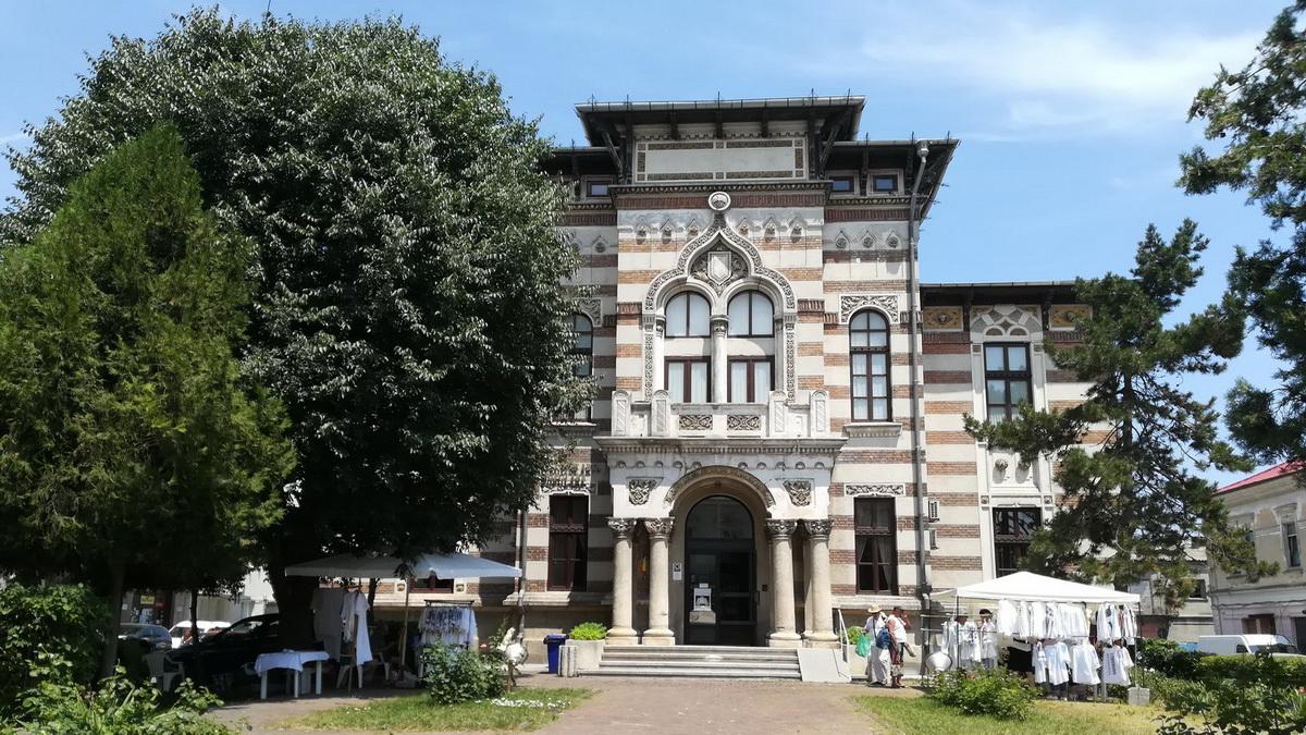 Marea Neagra - Constanta Muzeul de Arta Populara - Rezervati cazare pe litoralul romanesc