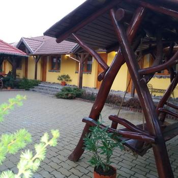 Szállás Felsőboldogfalva  -Székelyudvarhely (Feliceni) - Lányi Panzió - Hargita Megye