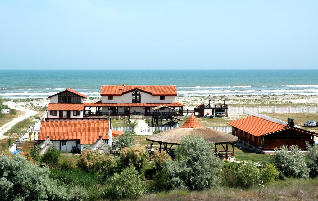 Cazare pe litoralul romanesc - pensiune Corbu